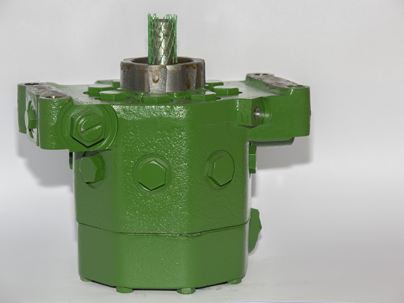 John Deere 8 Piston Hydraulic Pump for older models 2140,3140,3650,3651.