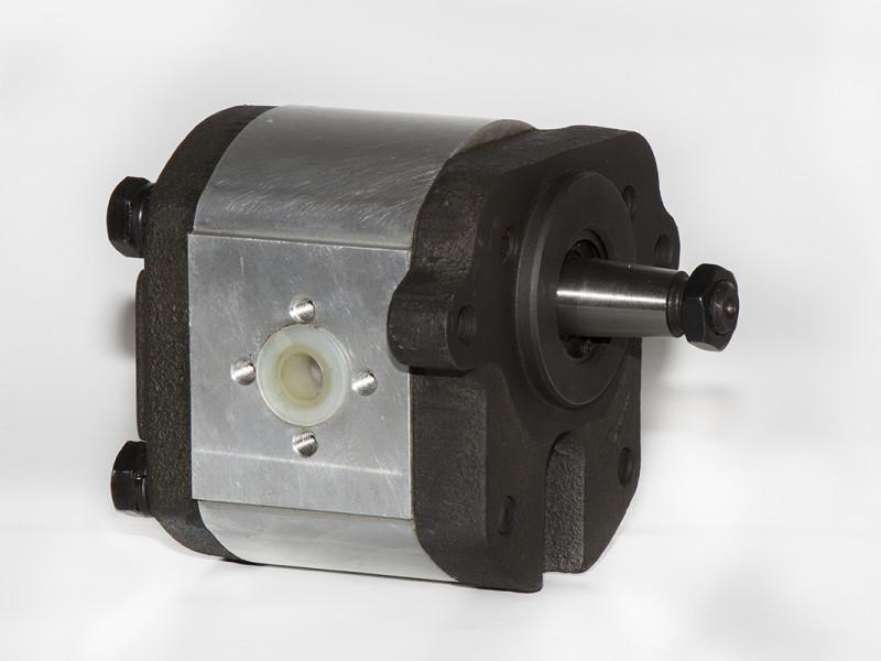 Landini Pump 2 bolt flange with taper shaft.